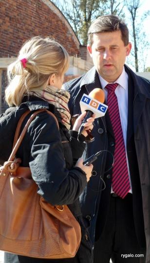 Rafał Pazio udziela wywiadu