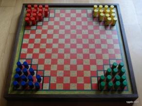 Halma - ustawienie początkowe dla czterech graczy