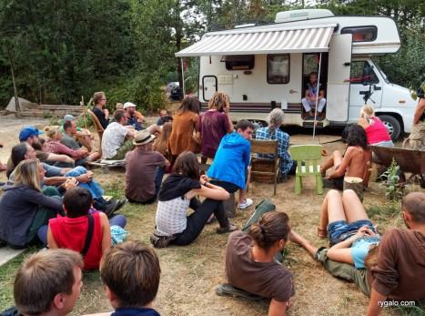 wykład o życiu w camperze