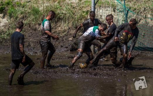 swamp football-5997